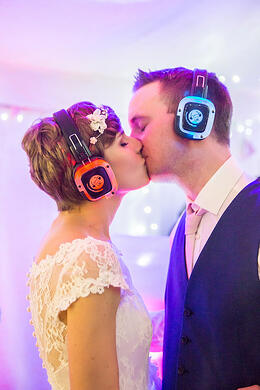 Silent-Disco-Wedding-Tips-